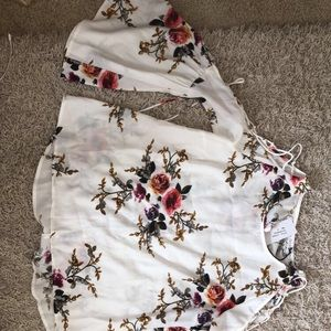 A beautiful blouse, NEVER BEEN USED!
